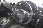 アウディ TT 8J カーボンステアリング加工前