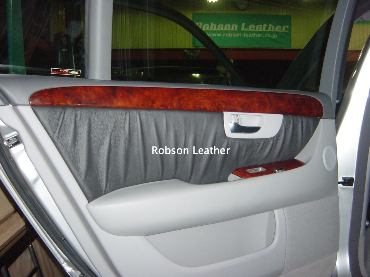 toyota_celsior_30_leather_002_new